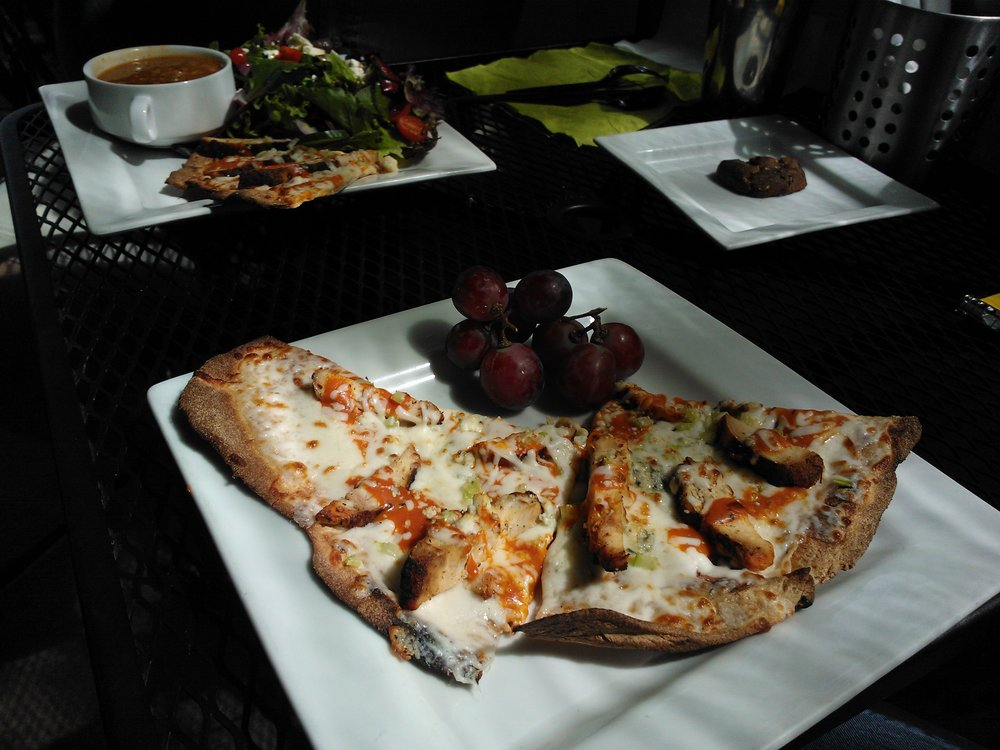 Cafe 180 pizza