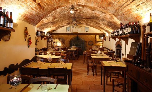 La taverna inside